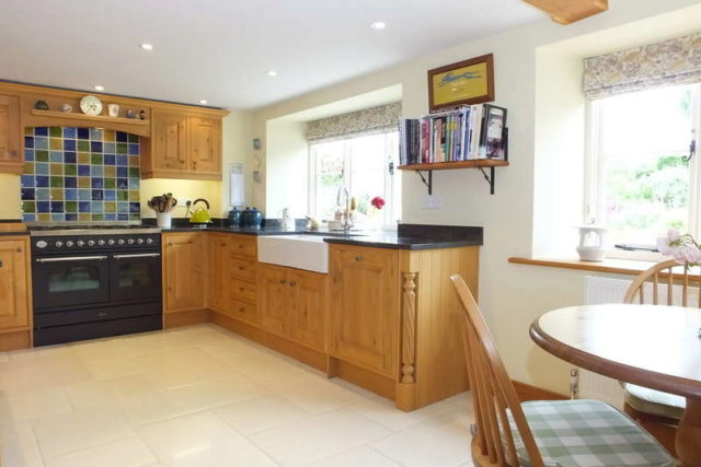 Image of 4 bedroom Cottage for sale in High Street Hawkesbury Upton Badminton GL9 at Hawkesbury Upton South Gloucestershire, GL9 1AU