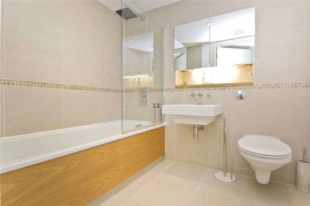 Image of 3 bedroom Maisonette for sale in Copenhagen Street London N1 at Islington London Barnsbury, N1 0JW