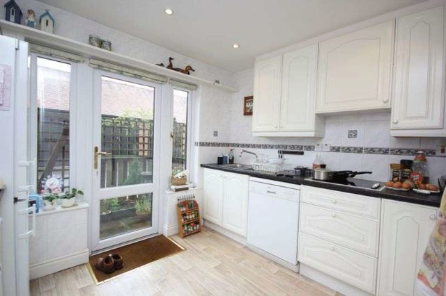 Image of 2 bedroom Cottage for sale in Bearwater Hungerford RG17 at Bearwater  Hungerford, RG17 0NN