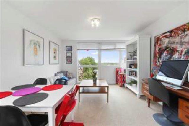 Image of 2 bedroom Flat to rent in Beechcroft Manor Weybridge KT13 at Weybridge, KT13 9NY