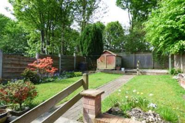 Image of 3 bedroom Semi-Detached house to rent in Dudley Avenue Whitefield Manchester M45 at Manchester, M45 6BS