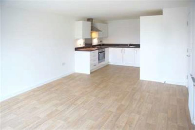 Image of 2 bedroom Flat to rent in Churchill Avenue Basildon SS14 at Basildon, SS14 2FR