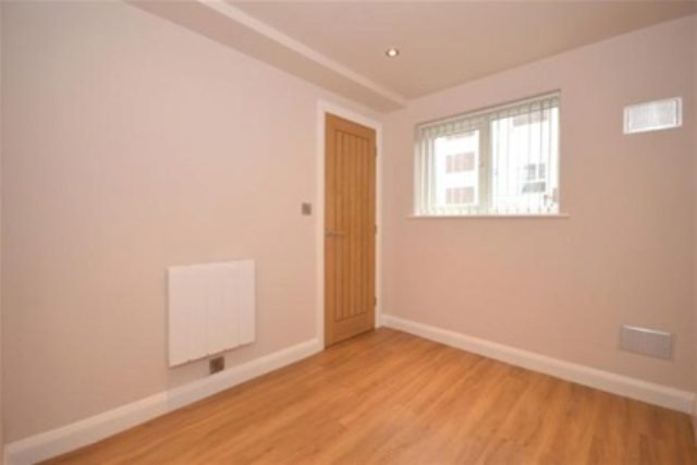 Image of 1 bedroom Flat to rent in Endcliffe Vale Road Sheffield S10 at Sheffield, S10 3EW
