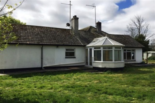 Image of 5 bedroom Bungalow to rent in Love Lane Hayle TR27 at Hayle, TR27 4PX