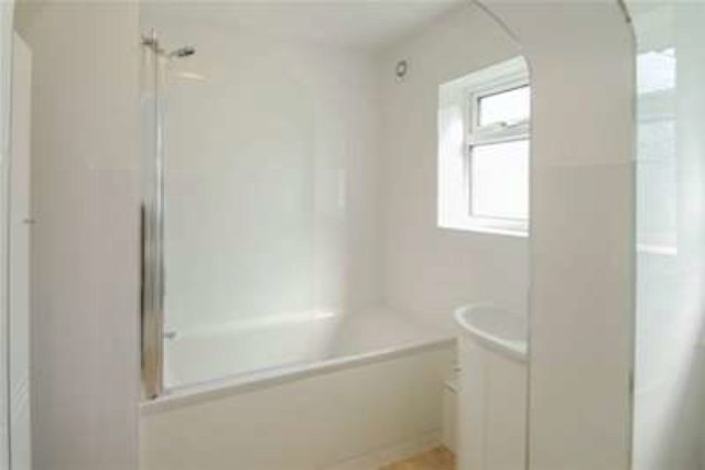 Image of 2 bedroom Flat to rent in Stanley Road Sutton SM2 at Sutton, SM2 6RZ