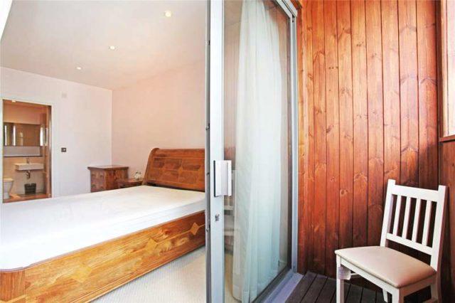 Image of 2 bedroom Flat to rent in Alexandra Avenue London SW11 at Alexandra Avenue London Battersea, SW11 4GA