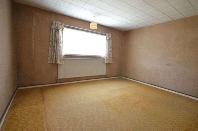 Image of 2 bedroom Detached house for sale in Lawton Avenue Carterton OX18 at Lawton Avenue  Carterton, OX18 3JZ