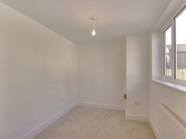 Image of 2 bedroom Semi-Detached house to rent in Springfield Road Crawley RH11 at Southgate Crawley, RH11 8AD