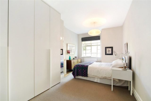 Image of 1 bedroom Ground Flat to rent in Trinity Close The Pavement London SW4 at Trinity Close  The Pavement, SW4 0JD