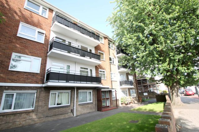 Image of 2 bedroom Detached house to rent in Cambridge Road Norbiton Kingston upon Thames KT1 at Cambridge Road  Kingston upon Thames, KT1 3NE