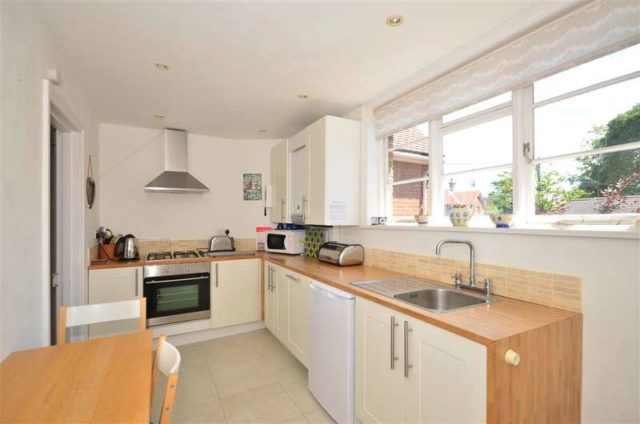 Image of 2 bedroom Maisonette for sale in Colwell Road Totland Bay PO39 at Freshwater Isle of Wight Totland Bay, PO39 0AE