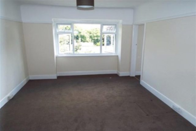 Image of 1 bedroom Flat to rent in Manor Road Bournemouth BH1 at Bournemouth, BH1 3HE