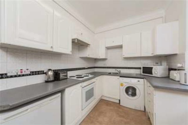 Image of 1 bedroom Flat to rent in Orsett Terrace London W2 at London, W2 6AJ