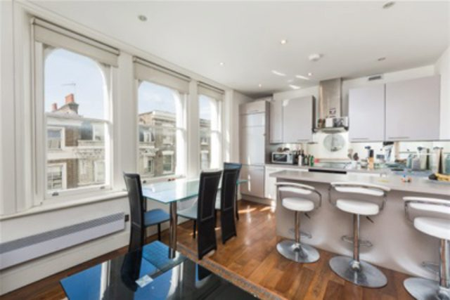 Image of 2 bedroom Flat to rent in Westbourne Grove London W2 at London, W2 5RT