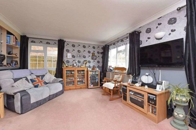 Image of 4 bedroom Detached house for sale in Doublet Close Thatcham RG19 at Doublet Close  Thatcham, RG19 3TT