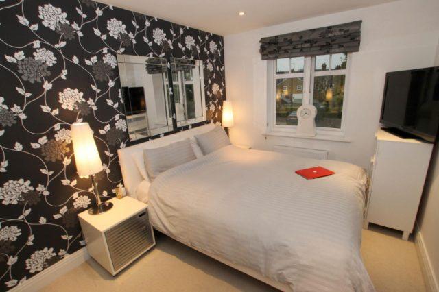 Image of 1 bedroom Apartment to rent in Manor Road Walton-on-Thames KT12 at 55 Manor Road Walton On Thames Surrey, KT12 2DL
