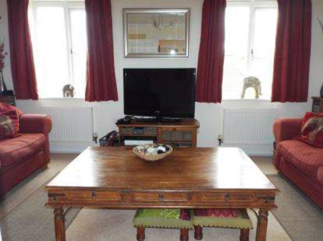 Image of Detached house for sale in Urquhart Road Thatcham RG19 at Thatcham Berkshire Crookham, RG19 4RE