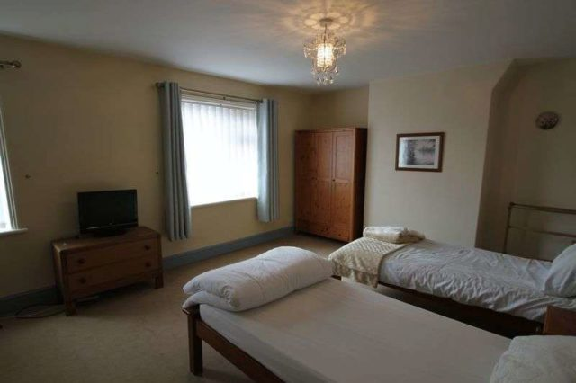 Image of 2 bedroom Semi-Detached house to rent in Bretton Lane Bretton Chester CH4 at Bretton Lane Bretton Chester, CH4 0DX
