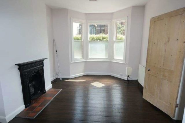 Image of 2 bedroom Terraced house to rent in St. Nicholas Road London SE18 at St Nicholas Road Plumstead London, SE18 1HJ