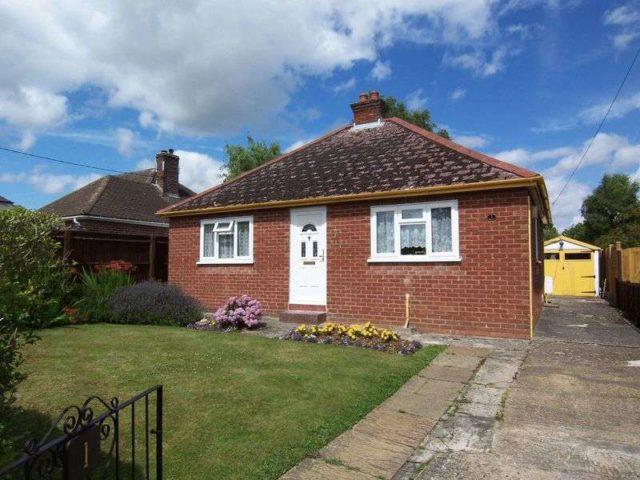 Image of 3 bedroom Detached house for sale in Elmhurst Road Henwick Thatcham RG18 at Elmhurst Road  Thatcham, RG18 3DF