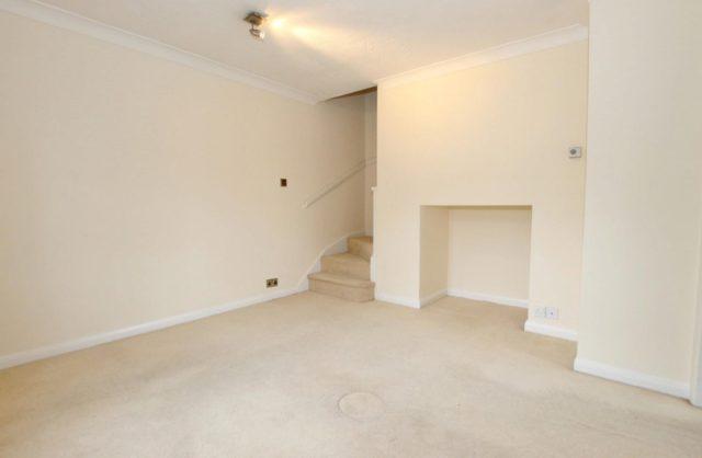 Image of 1 bedroom Semi-Detached house to rent in Stanley Gardens Burwood Park Hersham Walton-on-Thames KT12 at Walton On Thames  Surrey, KT12 4HB