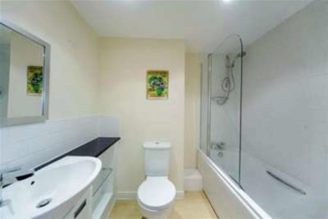 Image of 1 bedroom Flat to rent in Throwley Way Sutton SM1 at Sutton, SM1 4FE
