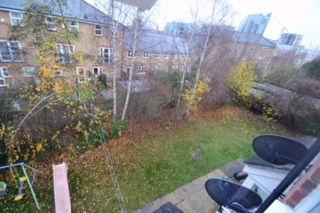 Image of Flat Share to rent in Henrietta Close London SE8 at Henrietta Close  Deptford, SE8 3EJ