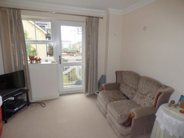Image of 1 bedroom Detached house to rent in Hulse Road Shirley Southampton SO15 at Southampton Hampshire Southampton, SO15 2PY