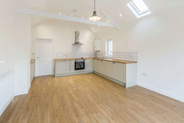 Image of 3 bedroom Flat to rent in Mary Street Porthcawl CF36 at Porthcawl  Porthcawl, CF36 3YN