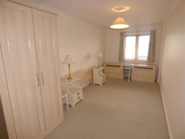 Image of 2 bedroom Apartment for sale in Quayside Road Southampton SO18 at Southampton Hampshire Southampton, SO18 1EN