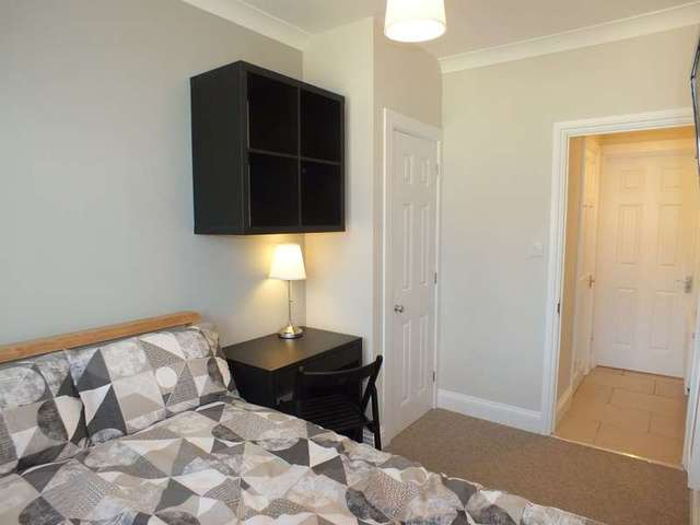 Image of 1 bedroom Detached house to rent in Chiltern Crescent Earley Reading RG6 at Earley Reading Berkshire, RG6 1AL