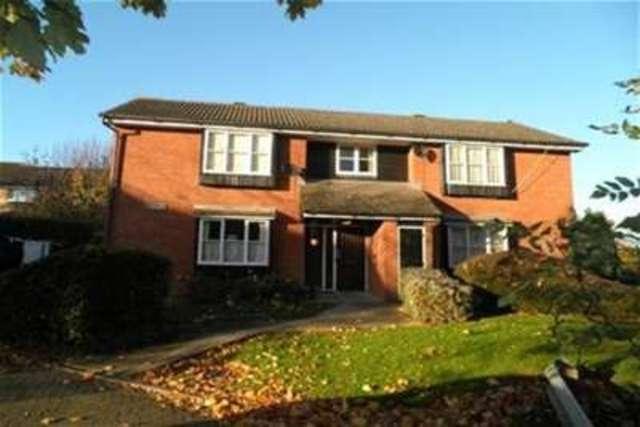 Image of Studio flat to rent in Hazebrouck Road Faversham ME13 at Faversham, ME13 7RB