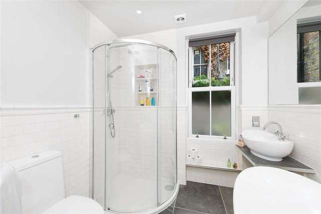 Image of 3 bedroom Detached house to rent in Parma Crescent London SW11 at Clapham London Clapham Junction, SW11 1LT
