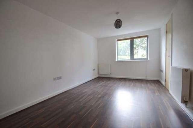 Image of 1 bedroom Apartment to rent in Peckham Rye London SE15 at Peckham Rye  PeckhamRye, SE15 3GW