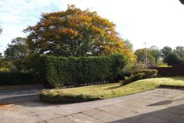 Image of 4 bedroom Detached house to rent in Prestbury Road Macclesfield SK10 at Macclesfield, SK10 3BS