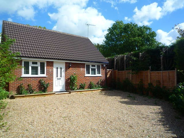 Image of 2 bedroom Bungalow to rent in Hollow Lane Dormansland Lingfield RH7 at Lady Cross Farm, Hollow Lane Dormansland Lingfield, RH7 6PB