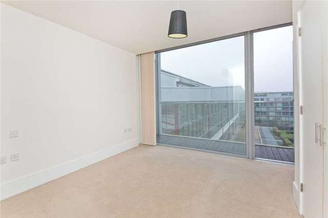 Upper Street London N  Bed Flat For Sale