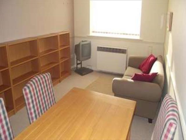 of 1 bedroom flat to rent in cumberland place london se6 at london