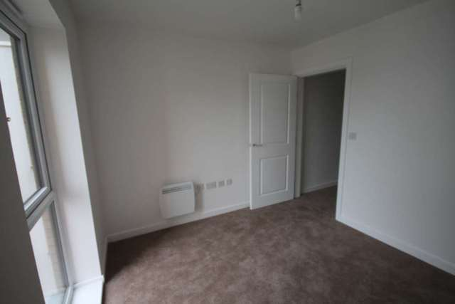Image of 2 bedroom Apartment to rent in Little Brights Road Belvedere DA17 at Saxon House Little Brights Road Belvedere, DA17 6FF