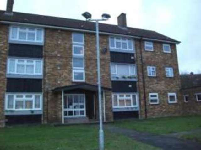 2 Bedroom Flat For Sale In Duncombe Close Luton Lu3