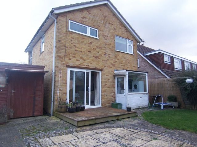 Image of 3 bedroom Detached house for sale in Herons Way Thatcham RG19 at Herons Way  Thatcham, RG19 3SR