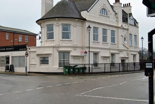 2 bedroom Flat to rent in Northam Road Southampton SO14