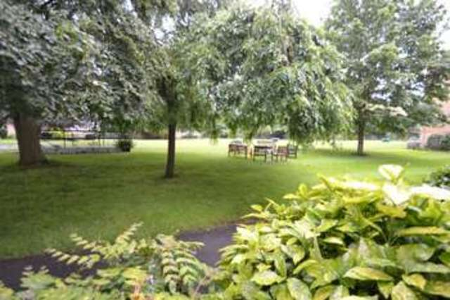 Image of 3 bedroom Apartment to rent in Avenue Road Epsom KT18 at Avenue Road  Epsom, KT18 7QU