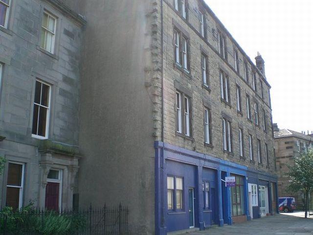 2 Bedroom Flat To Rent In Trinity Crescent Edinburgh Eh5