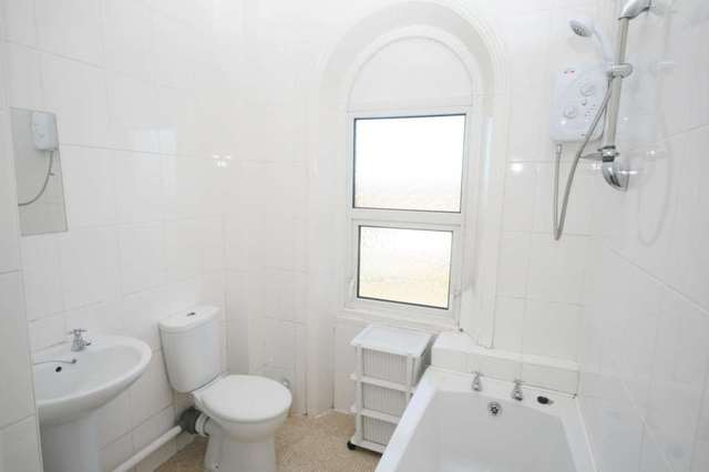 Studio Flat For Sale In London Road Brentwood Cm14