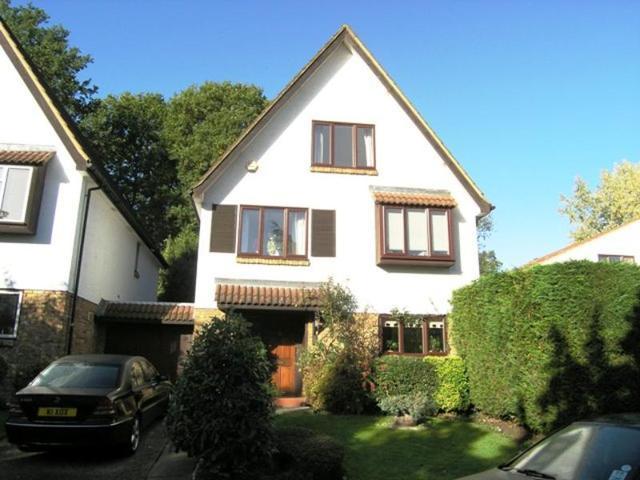 5 Bedroom Detached House To Rent In Warbank Lane Kingston Upon Thames Kt2