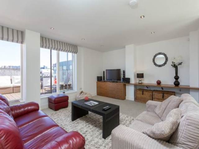2 bedroom flat to rent in mcewan square edinburgh eh3 - 2 bedroom flats to rent in edinburgh ...