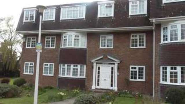 Image of Property to rent in Buckingham Close Hornchurch RM11 at Buckingham Close  Hornchurch, RM11 2QS