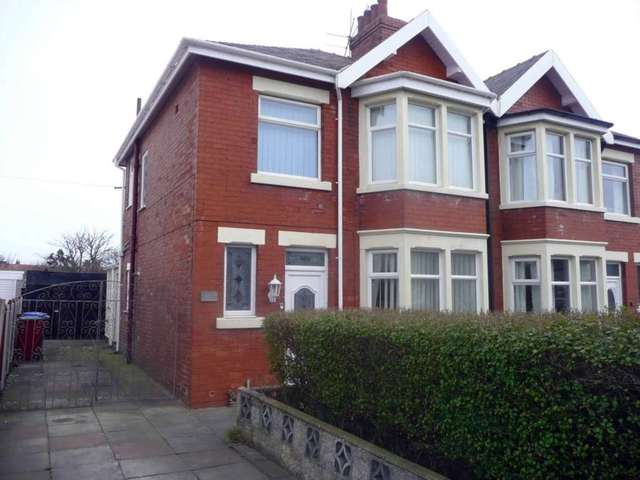 Image Of 3 Bedroom Semi Detached House To Rent In Devonshire Road Blackpool Fy2 At