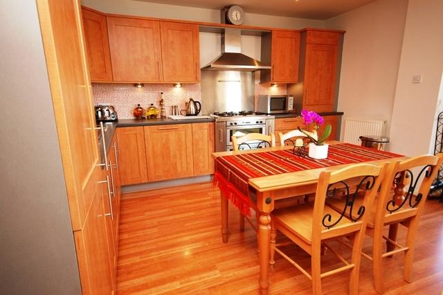 2 Bedroom Flat To Rent In Portland Gardens Edinburgh Eh6
